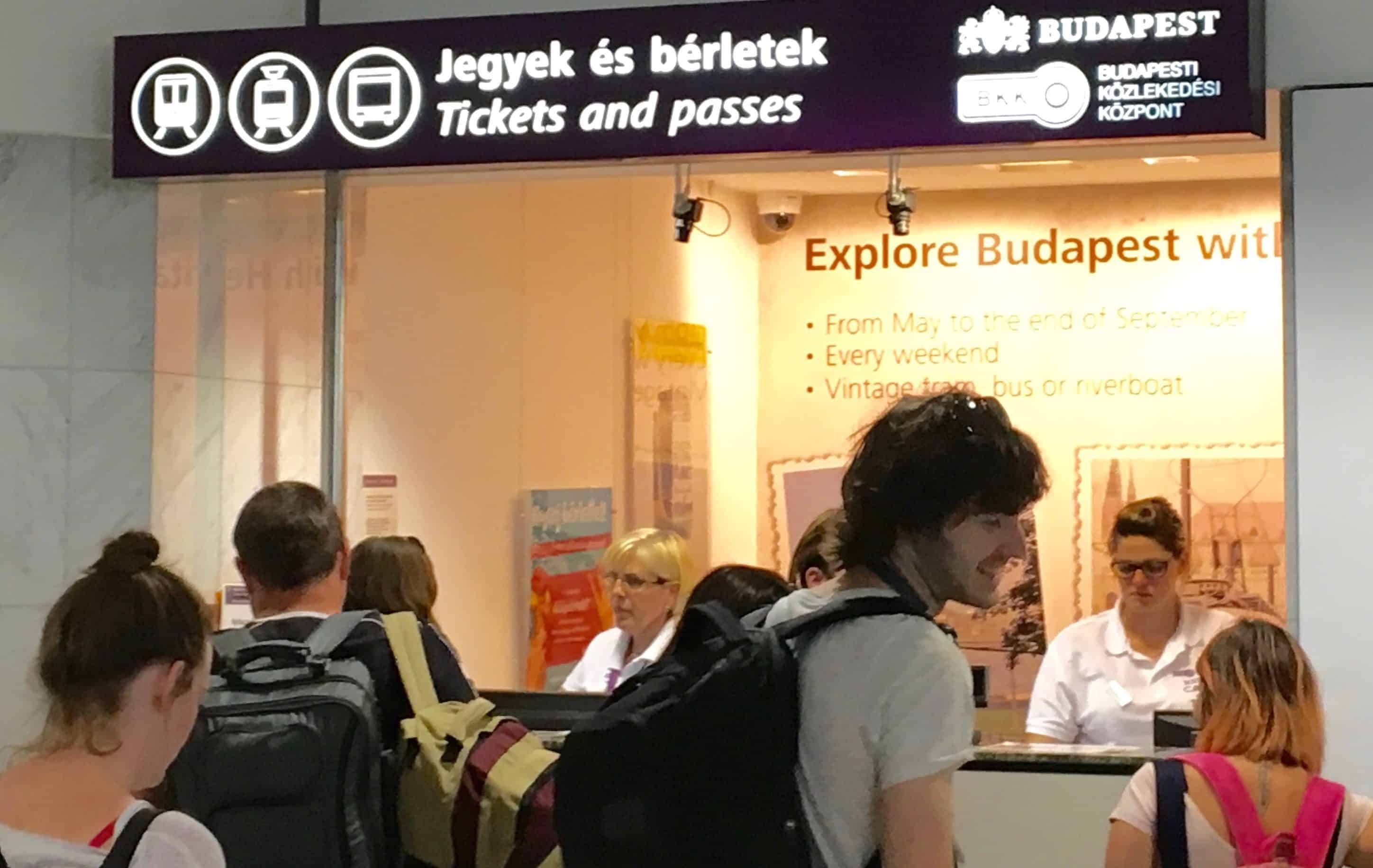 guichet tranports publics aeroport budapest