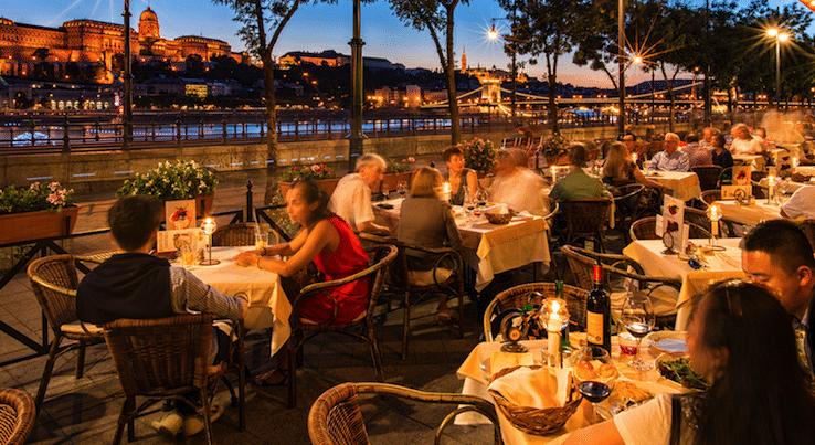 Dunacorso restaurant budapest