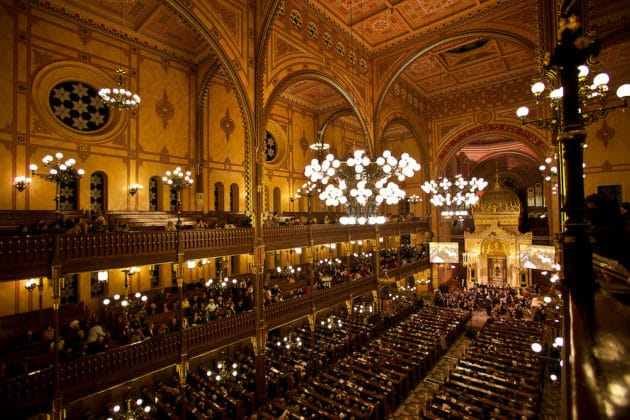 interieur de la synagogue de budapest