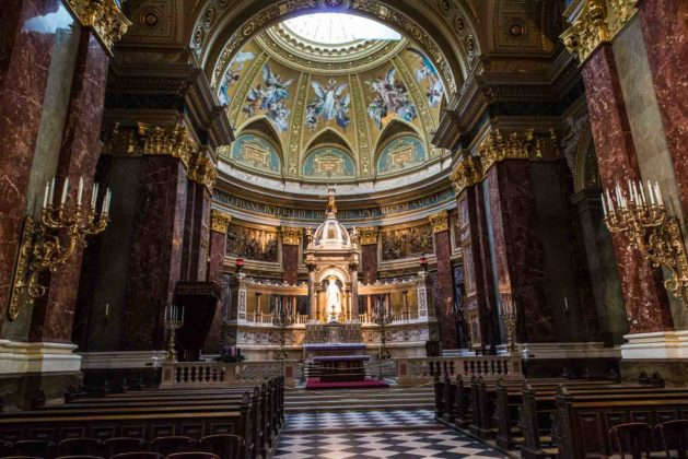 visiter basilique St Etienne intérieur