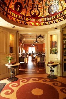 Entrée restaurant Dunacorso à Budapest