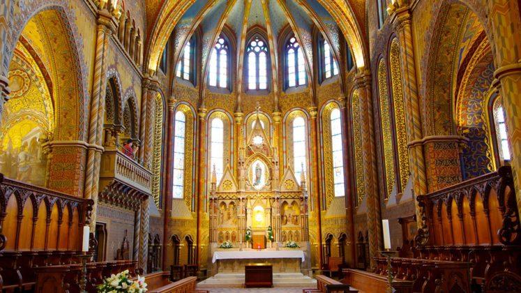 inteieur église matthias