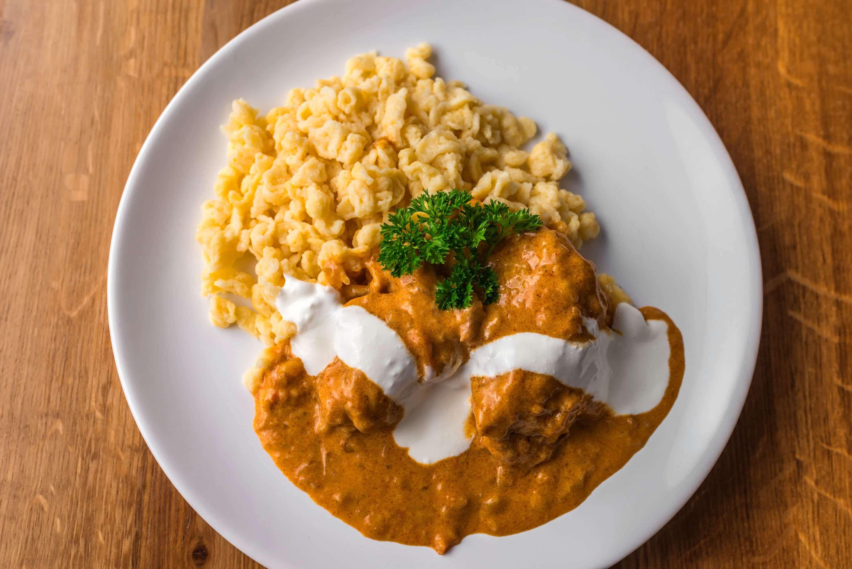 poulet au paprika - cuisine hongroise