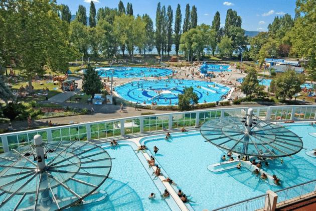 les bains palatinus a budapest