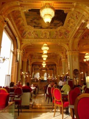 intérieur café New York de Budapest
