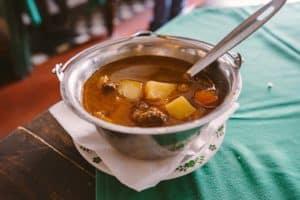Soupe de Goulasch - cuisine hongroise