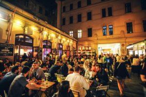 passage Goszdu à Budapest - quartier des ruin bars