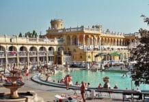 Budapest bains thermes @wikimedia