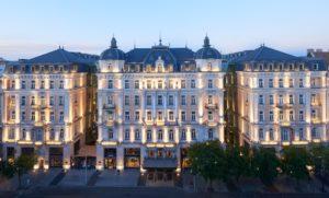 Hotel Corinthia extérieur